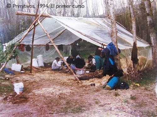 cabañas parque arqueologico de Atapuerca y arqueopinto